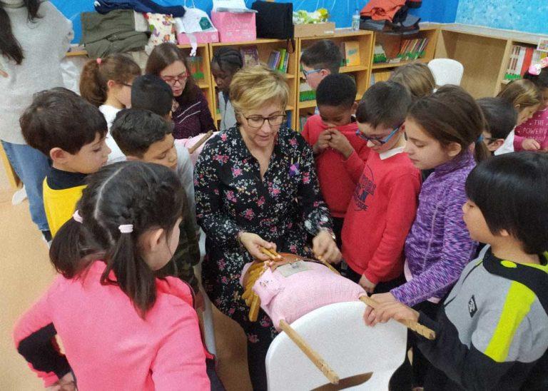 O encaixe de Camariñas percorrerá os colexios de toda Galicia