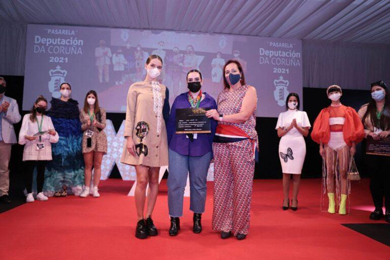 Anna García Viu, a gañadora do Concurso de Noveis Deseñadores da XXX Mostra do Encaixe